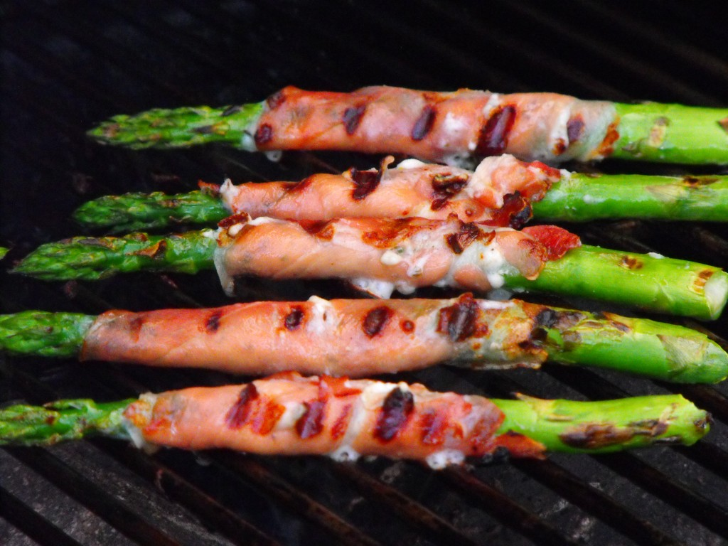 Grilled Asparagus with Goat Cheese and Prosciutto